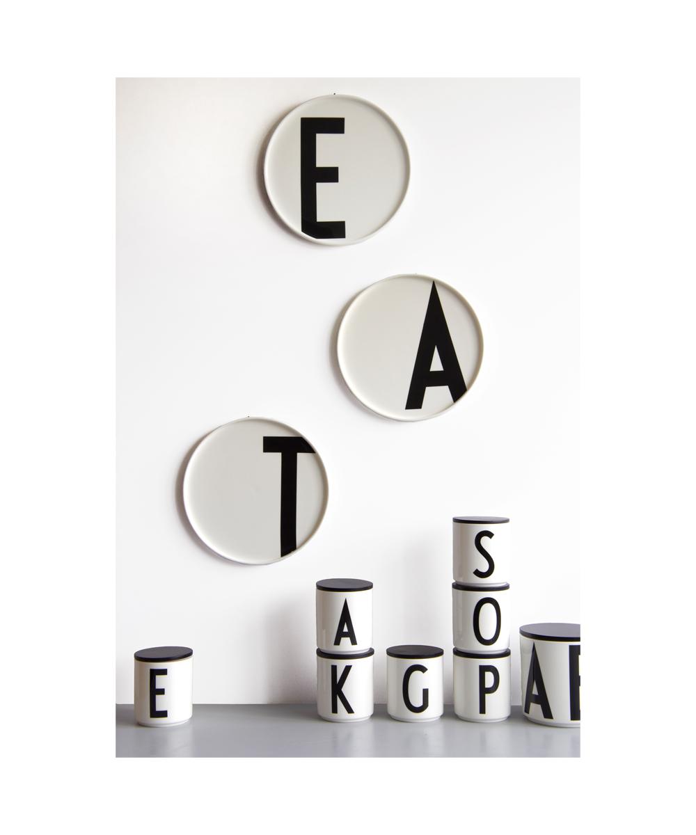 holzdeckel schwarz f r design letters becher petite catrin. Black Bedroom Furniture Sets. Home Design Ideas